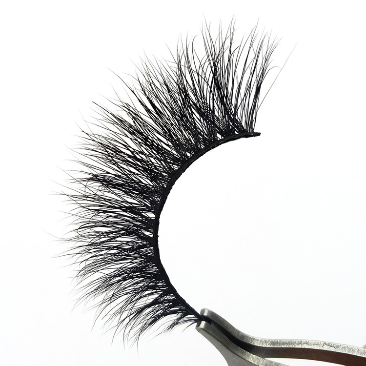 Getting Professional Lashes  Mink Eyelashes PY1